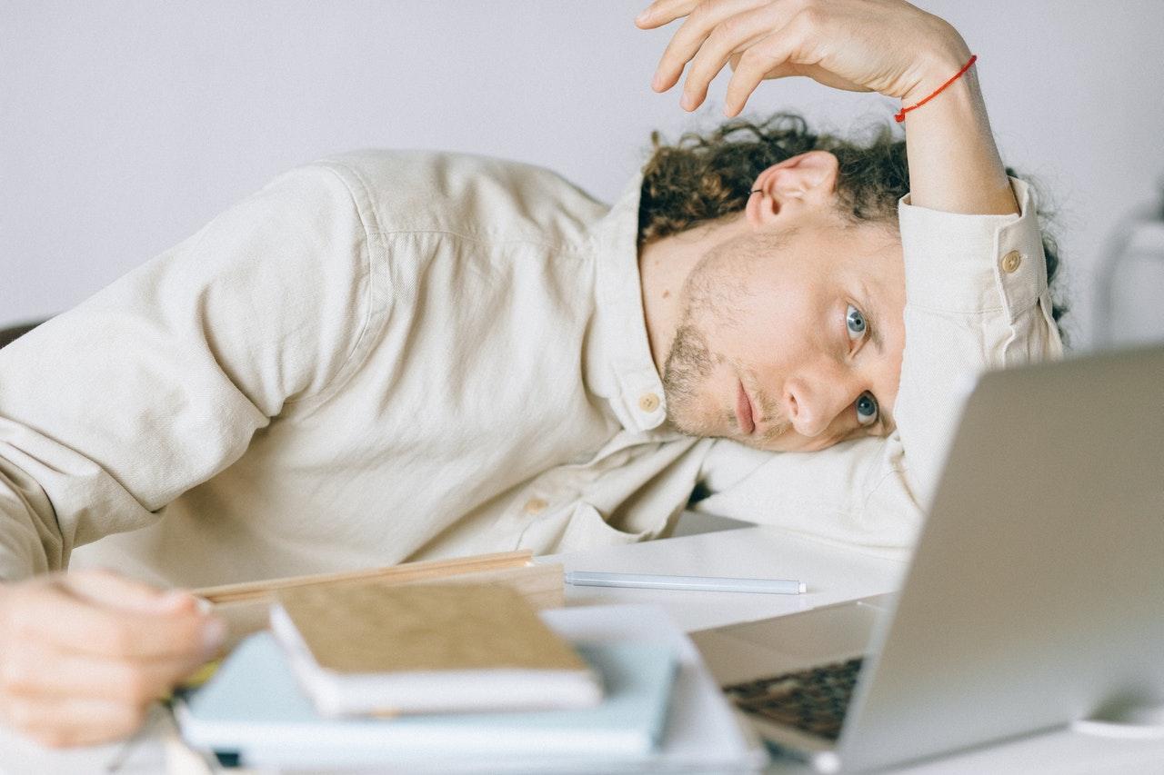 Gevolgen van geldstress op gedrag en communicatie